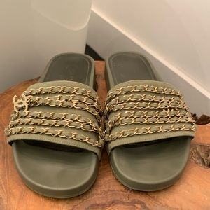 6d6d5bb3321 Women s Chanel Chain Slides on Poshmark